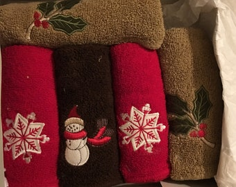 Boxed Set 5 Christmas 100% Cotton Washcloths