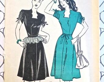 Vintage 1940s Womens Dress Pattern with Detachable Peplum - Butterick 3839
