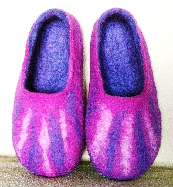 magenta slippers slippers slippers slippers Felted house day men Valentine wool shoes purple felt wool gift handmade women slippers slippers ZPYzYBq