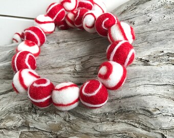 Candy Cane Swirls - Christmas, 2cm 25ct Felt Ball Garland or Loose Pack - Pom Pom - FREE SHIPPING USA | Bunting