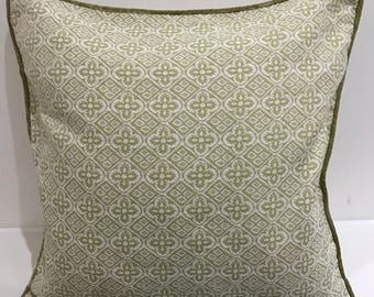 Green and cream weave front and reverse with green piping - 18x18in