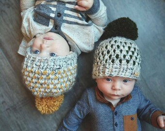 Baby toddler winter hat, two toned toque, pom-pom top, winter wear, gender neutral, Chunky crochet hat, baby snow hat, toddler snow hat