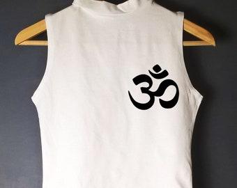 YOGA CROP TOP, om symbol crop, yoga tshirt, yoga shirt, yoga t shirt, yoga t-shirt, yoga top, yoga tee, workout tshirt, workout shirt