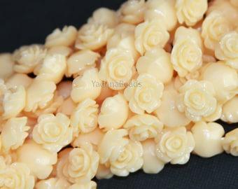 10 pcs of  Acrylic flower bead 10mm- Yellow Cream color