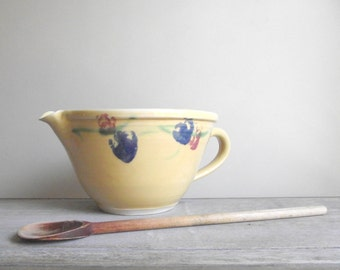 Batter Bowl with Handle and Pour Spout , Handcrafted Pottery Mixing Bowl , Large Stoneware Bowl , Vintage Kitchenware , Farmhouse Kitchen