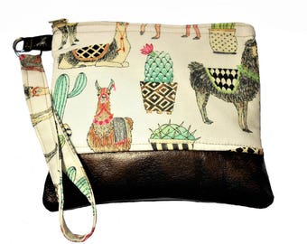 Llama and Cactus Wristlet, Llamas, Cactus, Women's Wristlet, Llama makeup bag, Cactus makeup bag, Coin purse, wristlet coin purse, key fob