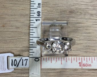 Vintage 925 Sterling Silver 3g Ring Size 8 Three Czs Used