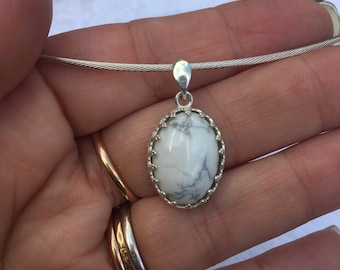 Sterling Silver 925/1000 and HOWLITE natural stone.