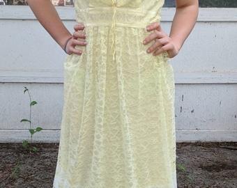 Stunning 70s yellow lace dress