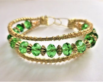 Green crystal bracelet   Wire weave jewelry   Interwoven wire  Preciosa crystals  Gold tone brass Free shipping and gift box
