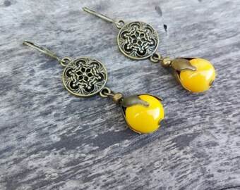 Trendy earring, Pearl yellow ceramic, retro style