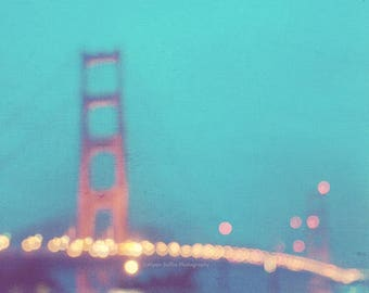 photography, San Francisco photo, Golden Gate Bridge, la nuit, dreamy mint blue night rainy winter, vacation California romantic gold lights