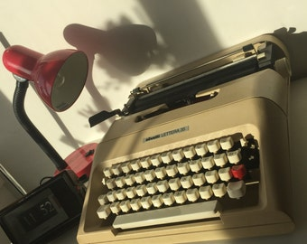 Fully working Olivetti Lettera 35 with case