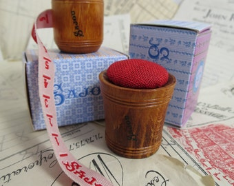 Sajou Hornbeam Wooden Tape Measure & Pin Cushion- Red