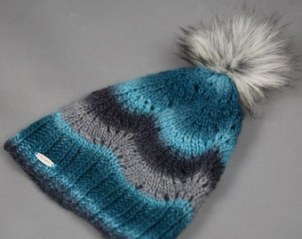 Hand Knit Wool Hat / Knit Hat / Hat with pom-pom / Ready to ship / Loose knit.