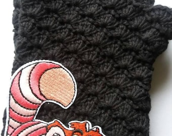 Chesire. Handcrocheted fingerless gloves. 100% cotton.