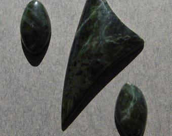 Serpentine Jade Set  (32X20X4)