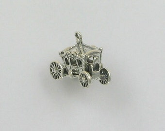 Sterling Silver Movable 3-D Queen Coach Charm