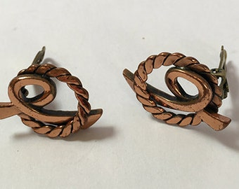 Twisted Wire Circle Earrings Clip Style Copper Color Vintage