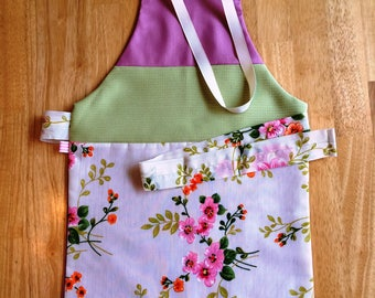 Apron 3-5 years/model romantic tea, rose-green-flowers - for the MOM to the doll