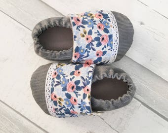 Baby Moccs / Baby Shoes / Stay on Baby shoes / Sofy Soled Baby Shoes