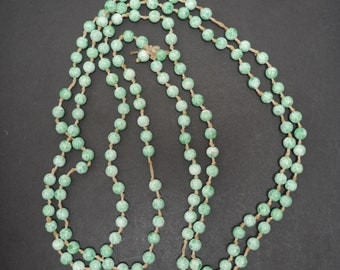 Art deco green Peking glass beads, long single strand need restringing