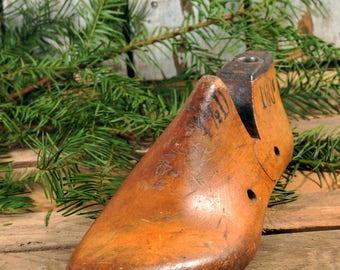 Vintage Shoe Form, Vintage Shoe, Wooden Shoe, Wood Shoe Form, Industrial Decor, Vintage Industrial, Shoe Maker, Shoe Last