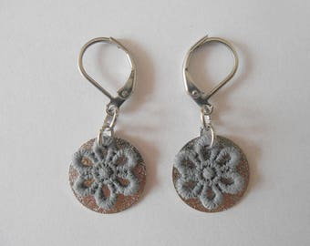 Earrings with spangled sequins and hand-painted grey lace flowers.