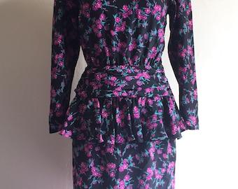 Vintage 80s does 40s Wiggle Dress | Black and Purple Floral Peplum Dress | Size M