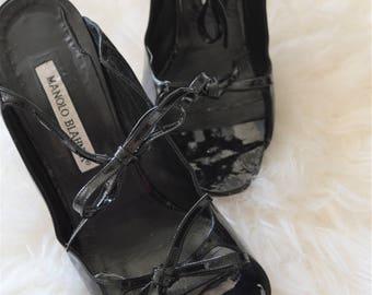 Vintage Manolo Blahnik bow sandals