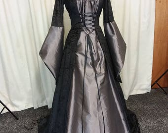 Medieval dress, Gothic hooded gown, renaissance dress, pagan, Scottish widow hood, plus sizes available, witch costume halloween.