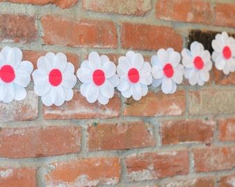 Daisy garland, garland, daisies, White flower garland, felt daisy garland