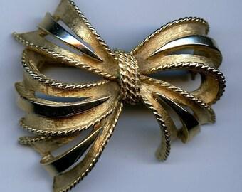Vintage Gold Tone Signed Florenza Bow Brooch