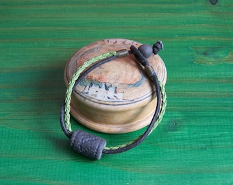 "Ceramic bracelet ""Earth and jewels"" double green leather/cotton cord black and large black sandstone bead"