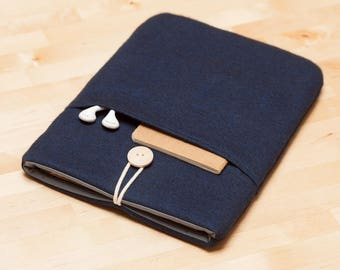 Macbook air case, Laptop sleeve , Macbook Pro 13 sleeve / Macbook pro 13 case / padded with pockets  - Flannel navy
