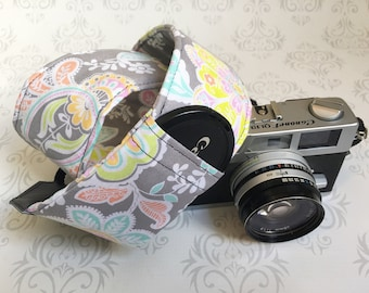 DSLR Camera Strap, Padded with 2 Lens Cap Pockets, Nikon, Canon, DSLR Photography, Photographer Gift,  Gift - Pastel Paisley