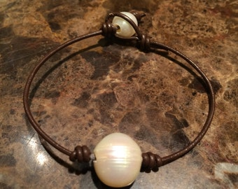 Handmade Leather and Pearl Knotted Bracelet