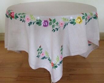 Polish Folk Vintage Hand Embroidered Floral Motif Ecru Tablecloth/Folk Cottage Handmade Floral Tablecloth/Beautiful Polish Linen Tablecloth