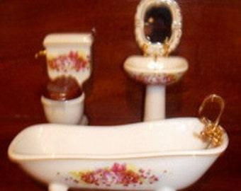 Miniature -- CLASSIC VINTAGE BATHROOM
