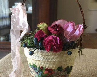 Peat pot floral arrangement accent
