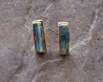 RAW Gemstone stud earrings with Kyanite