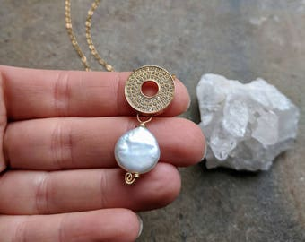 Sparkling Coin Pearl Necklace