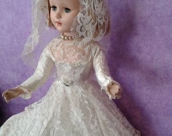 American Character Sweet Sue  Rare 21 in.  Bride doll. 1940's to 1950's   rooted hair.