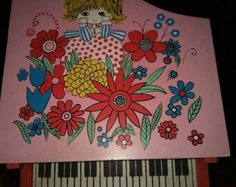 Adorable Piano Jewelry Box