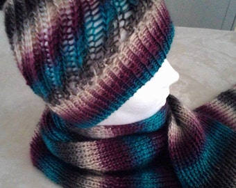 Hat and scarf color shades