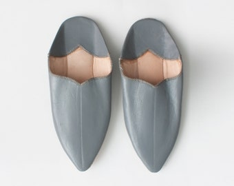 Women's Leather Slippers || Traditional Moroccan Pointed Babouche || Dyed With Natural Colour || Grey