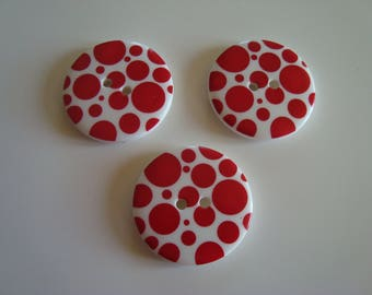 3 buttons round fantasy big red polka dots on white 2 hole 34 mm