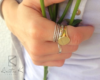 Woman Gold Signet ring, Signet ring, valentine's day gift, Gold Signet ring, Personalized Ring, Gold Ring, Unique Gift Idea for Her