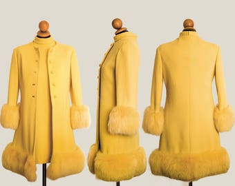 Cheerful and versatile, complete sheath and yellow canary coat dress and coat of the year ' 60 wool