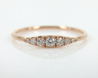 Seven-Stone Graduated Round Diamond Ring in 18K Rose Gold